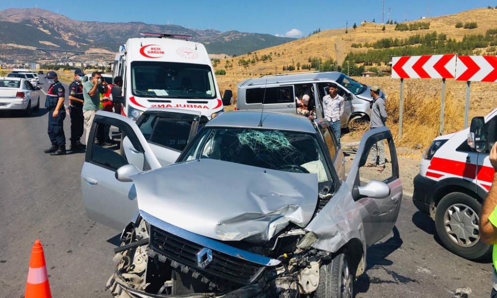 Gaziantep'te Feci Kaza: 5 Yaralı Var